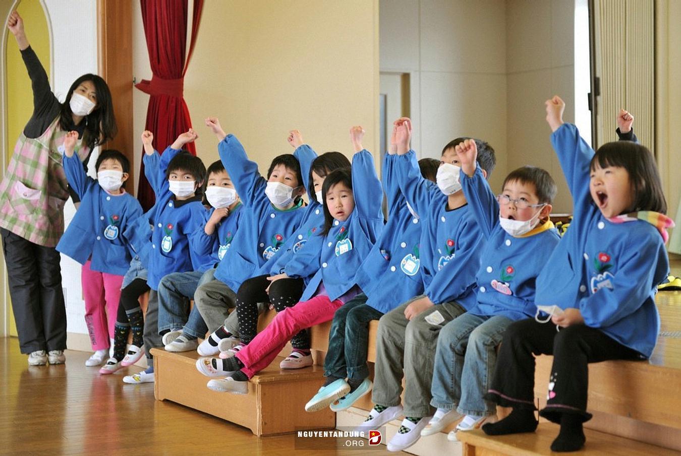 """12 cách giáo dục """"siêu hay"""" của người Nhật"""