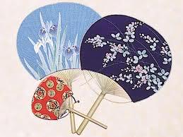quat tay nhat ban 30 món quà lưu niệm phổ biến tại Nhật Bản