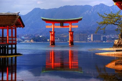 Cánh cổng thiền Torii – biểu tượng văn hóa Nhật Bản