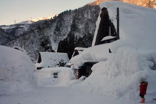 Độc đáo hai ngôi làng cổ Nhật Bản
