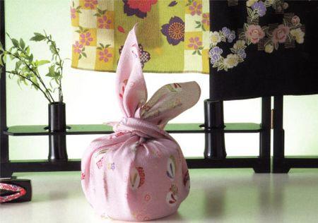 Furoshiki nhatban 2 Furoshiki: Vuông khăn Nhật Bản