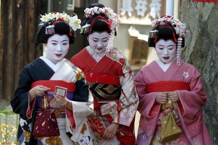 geisha Japan duhochoasen Kanzashi: Trâm cài tóc Nhật Bản