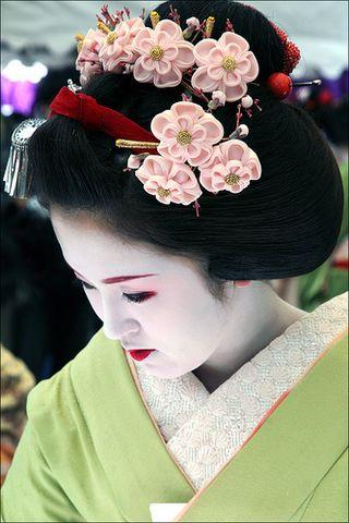 geisha nhatban duhochoasen Kanzashi: Trâm cài tóc Nhật Bản
