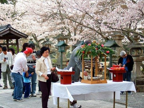 le phat dan Lễ Phật đản ở Nhật.
