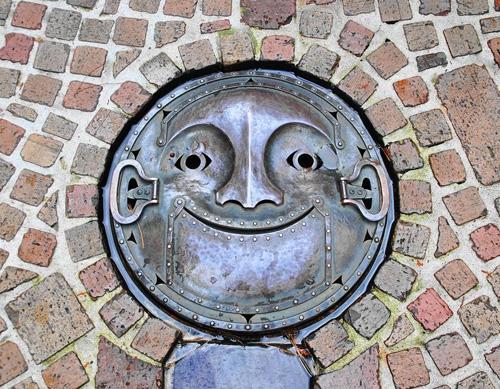nghe thuat tren nhung nap cong o nhat ban 11 Nghệ thuật trên những nắp cống ở Nhật Bản