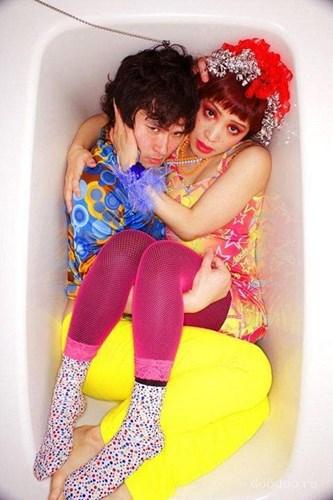 chupanhbath nhatban 13 Nhật Bản: Kỳ dị trào lưu chụp ảnh co quắp trong bồn tắm