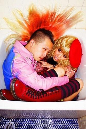 chupanhbath nhatban 15 Nhật Bản: Kỳ dị trào lưu chụp ảnh co quắp trong bồn tắm