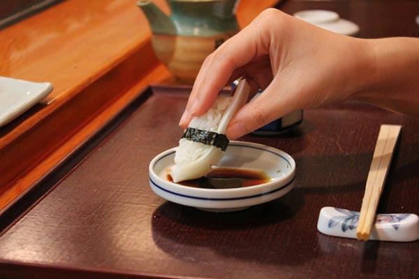 thuong thuc sushi nhat ban 1 Quy tắc chuẩn khi thưởng thức sushi Nhật Bản