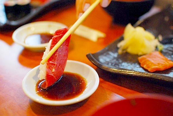 thuong thuc sushi nhat ban 6 Quy tắc chuẩn khi thưởng thức sushi Nhật Bản