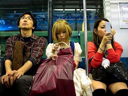 Tại sao giới trẻ Nhật Bản thờ ơ với sex?