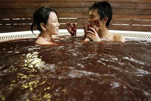 tam chocolate o nhat ban Nhật Bản: Tắm chocolate đón Lễ Tình nhân