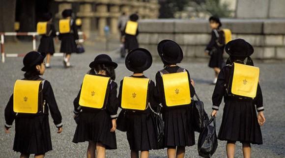 dongphuchocsinh nhatban 06 Thú vị đồng phục học sinh Nhật Bản