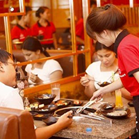 Tiếng Nhật Giao tiếp trong nhà hàng - phần 4 - Khi khách mới vào có thể nói