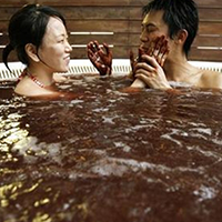 Tắm chocolate đón Lễ Tình nhân