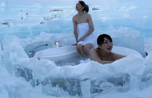 mua dong nhat ban hoasen Trò chơi vào mùa đông lạnh giá ở Nhật?