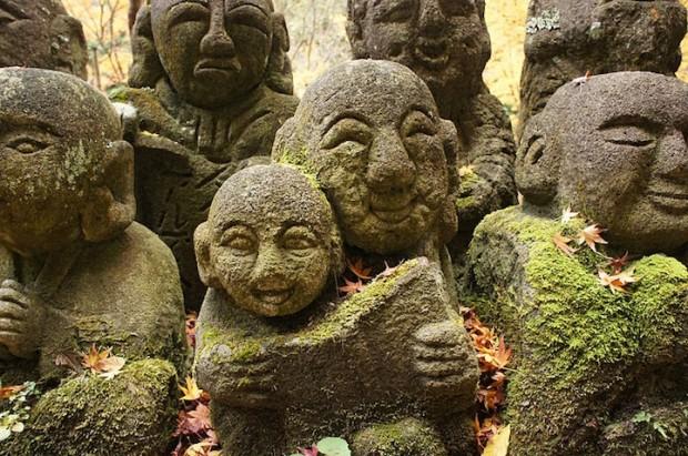 tuong da chua Otagi Nenbutsu Ji 3 Tượng đá hài hước ở ngôi chùa Otagi Nenbutsu Ji