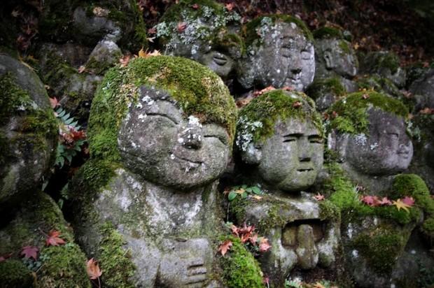 tuong da chua Otagi Nenbutsu Ji 5 Tượng đá hài hước ở ngôi chùa Otagi Nenbutsu Ji