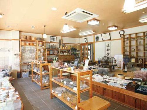 Tsujiwa Kana ami 10 cửa hàng quà tặng nổi tiếng nhất Kyoto Nhật Bản