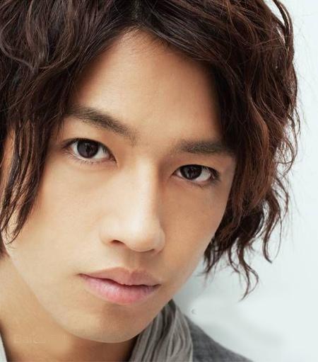Takumi Saito 10 nghệ sĩ nam phái đẹp Nhật muốn ôm nhất