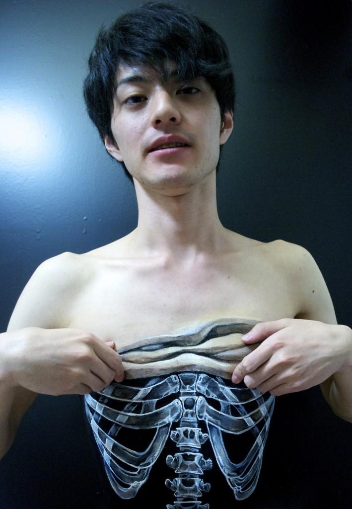 Choáng với những bức vẽ 3D siêu thực của nữ nghệ sĩ Nhật Bản