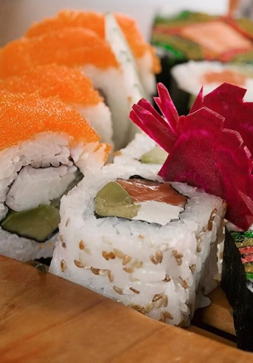 sushi cuon kieu California Những món ăn thống trị xứ sở hoa anh đào