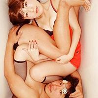 Nhật Bản: Kỳ dị trào lưu chụp ảnh co quắp trong bồn tắm