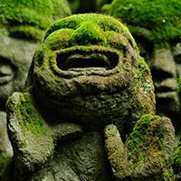 Tượng đá hài hước ở ngôi chùa Otagi Nenbutsu-Ji