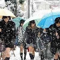 Vì sao nữ sinh Nhật thích mặc váy ngắn?