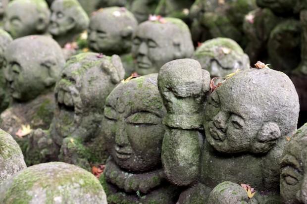tuong da chua Otagi Nenbutsu Ji 4 Tượng đá hài hước ở ngôi chùa Otagi Nenbutsu Ji